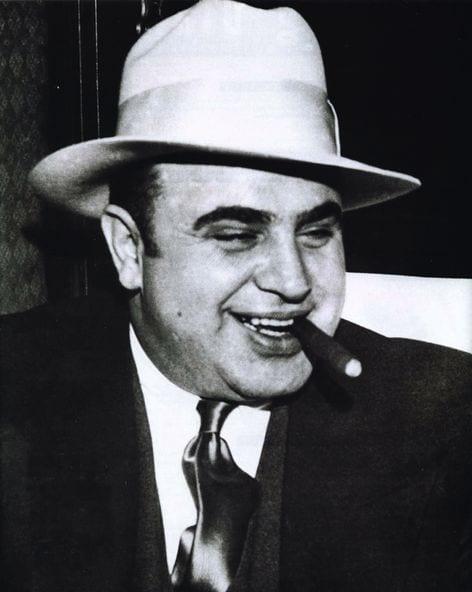 http://chudesamag.ru/wp-content/uploads/2012/05/Al_Capone.jpg