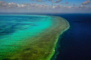 Большой Барьерный риф с высоты птичьего полёта