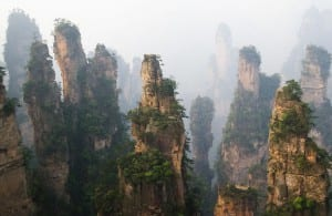 Группа скал в заповеднике Чжаньцзяцзе
