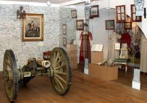 Орудие времен войны 1812 года в экспозиции выставки