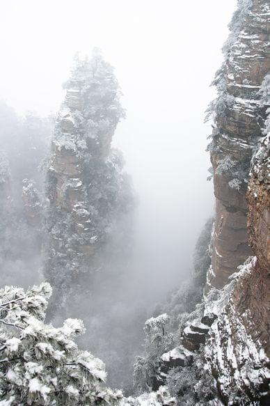 Скала в заповеднике Чжаньцзяцзе