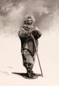 Амундсен в полярной экипировке, в снегоступах. 1899