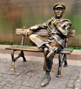 Памятник Остапу Бендеру в Харькове