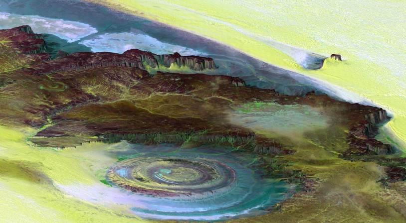 Топографическая реконструкция (в масштабе 6 к 1 по вертикальной оси) со спутниковых фотографий