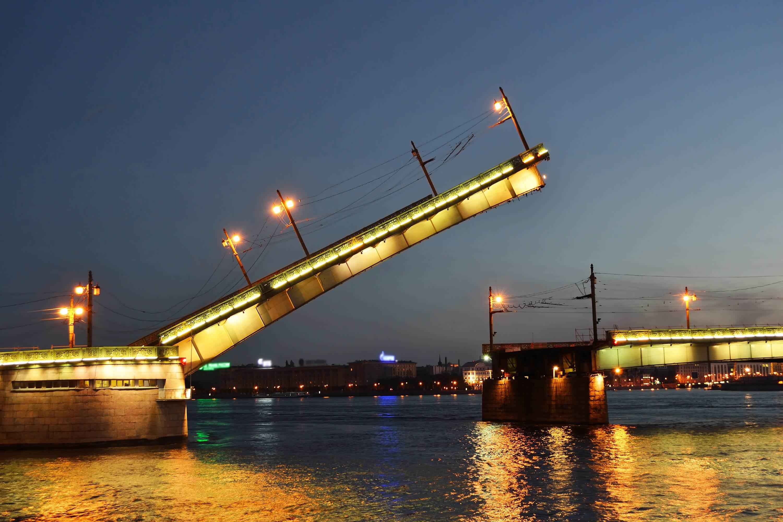 является общепризнанным разводка литейного моста спб один сезонов